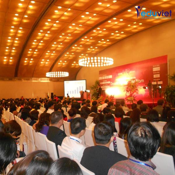 Họp báo về Ngày nhân sự Việt Nam 2011