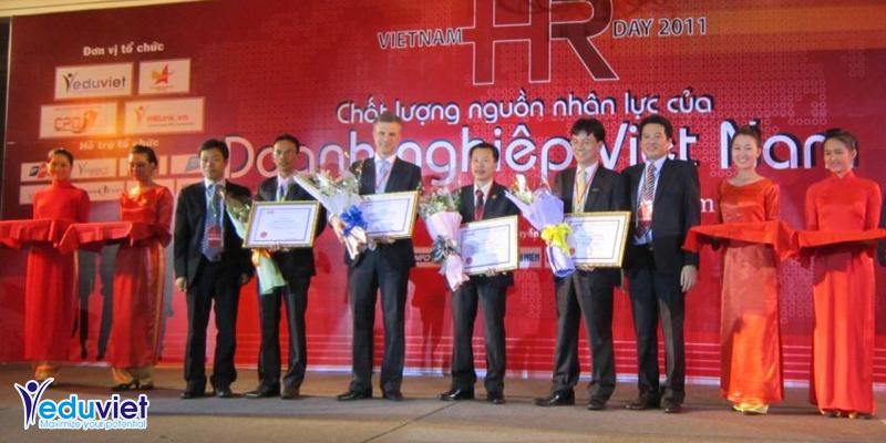 Tôn vinh và kết nối cộng đồng nhân sự Việt Nam