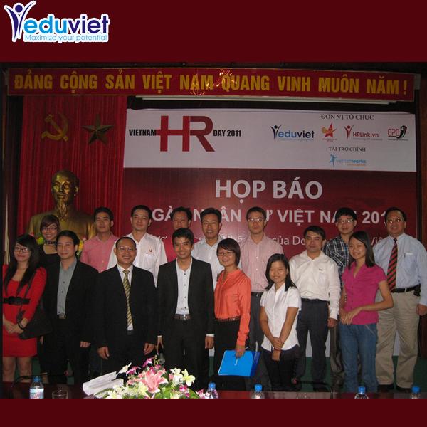 Thông cáo báo chí Ngày Nhân sự Việt Nam 2012