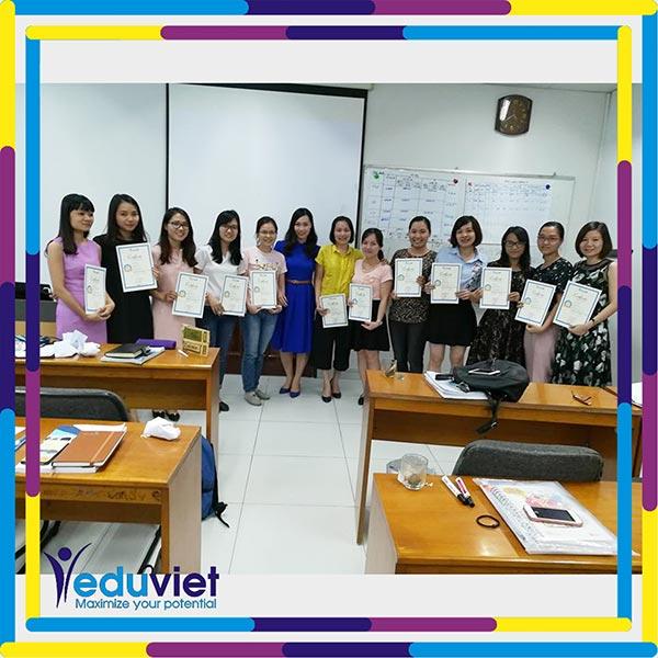 Bế giảng lớp Nghề nhân sự K95