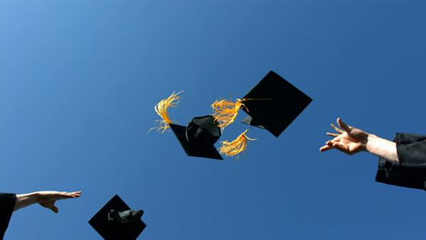 Vào đại học chỉ giúp bạn thành trung lưu, không đời nào biến bạn thành triệu phú hay tỷ phú?