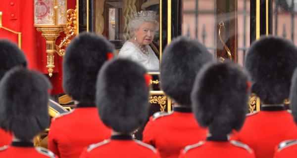Những công vệc kỳ lạ bạn có thể đảm nhận nếu làm việc cho hoàng gia Anh