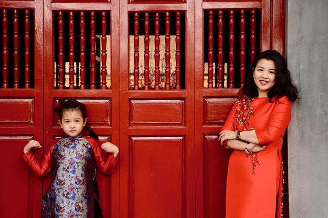 Chị Ngọc Diệp và con gái.