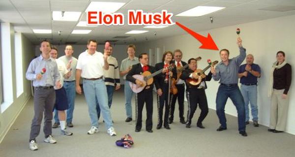 CEO Elon Musk đang công khai tuyển dụng 473 nhân sự làm việc tại SpaceX, bao gồm cả kĩ sư CNTT, sale, cho tới… thợ điện
