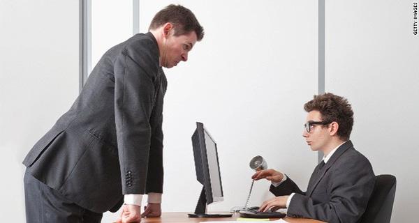Nếu sếp bạn có 5 yếu tố này, hãy thận trọng kẻo có ngày lâm nguy