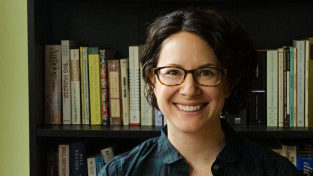 Sarah Biggerstaff, giảng viên trường Quản trị Yale.