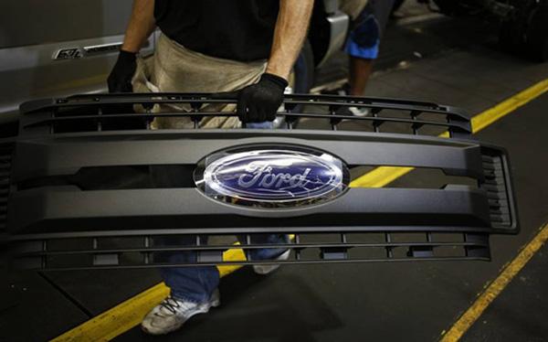 Ford cắt lượng lớn nhân sự toàn cầu để giảm chi phí