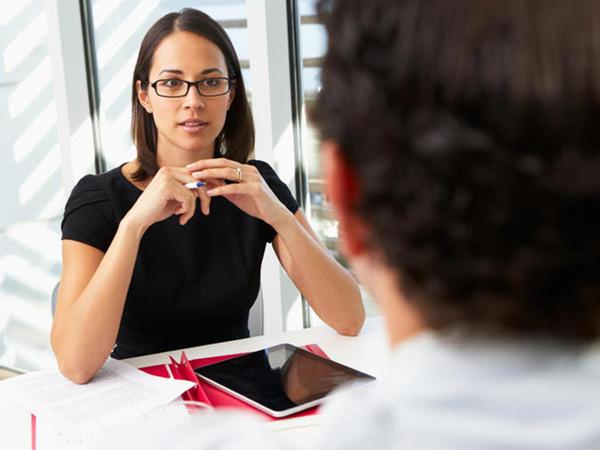 """8 lý do khiến bạn """"trượt vỏ chuối"""" ngay trong lần phỏng vấn xin việc đầu tiên"""