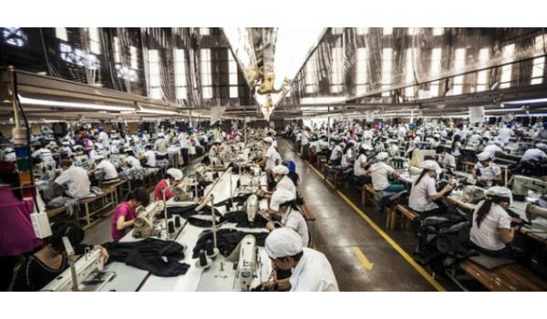 Các doanh nghiệp ngành dệt may cho người lao động làm thêm giờ lên tới 500 thậm chí 600 giờ/năm