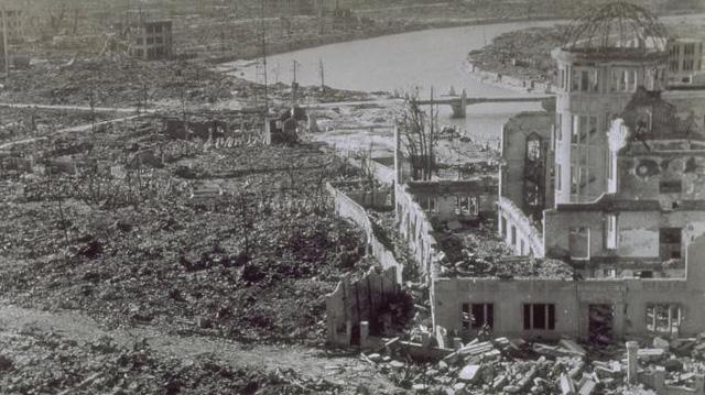 """Văn hóa làm việc """"chết bỏ"""" lạ thường ở xứ hoa anh đào: Động đất sập nhà hay bom hạt nhân hủy diệt, người Nhật vẫn cứ… đi làm - Ảnh 3."""