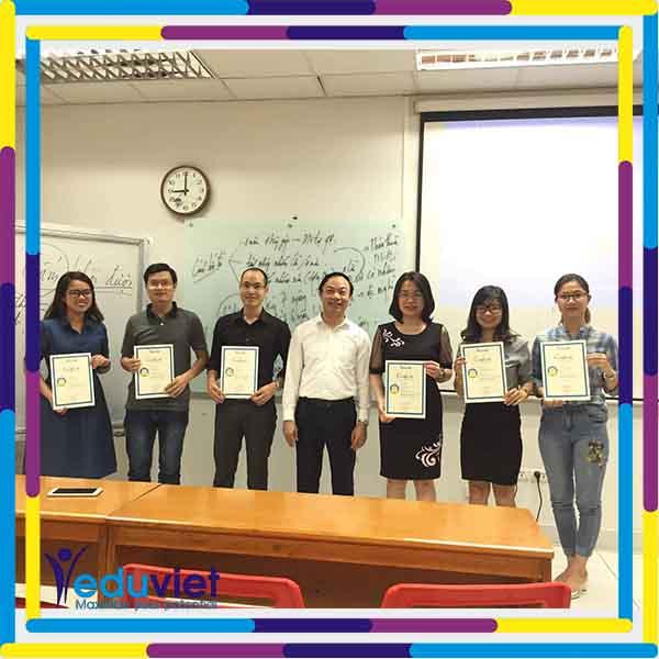 Bế giảng lớp NNS 112